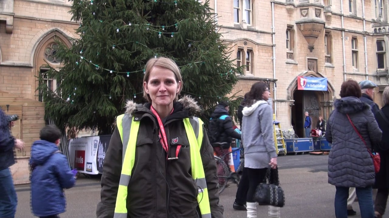 Oxford Christmas Market – The Set Up